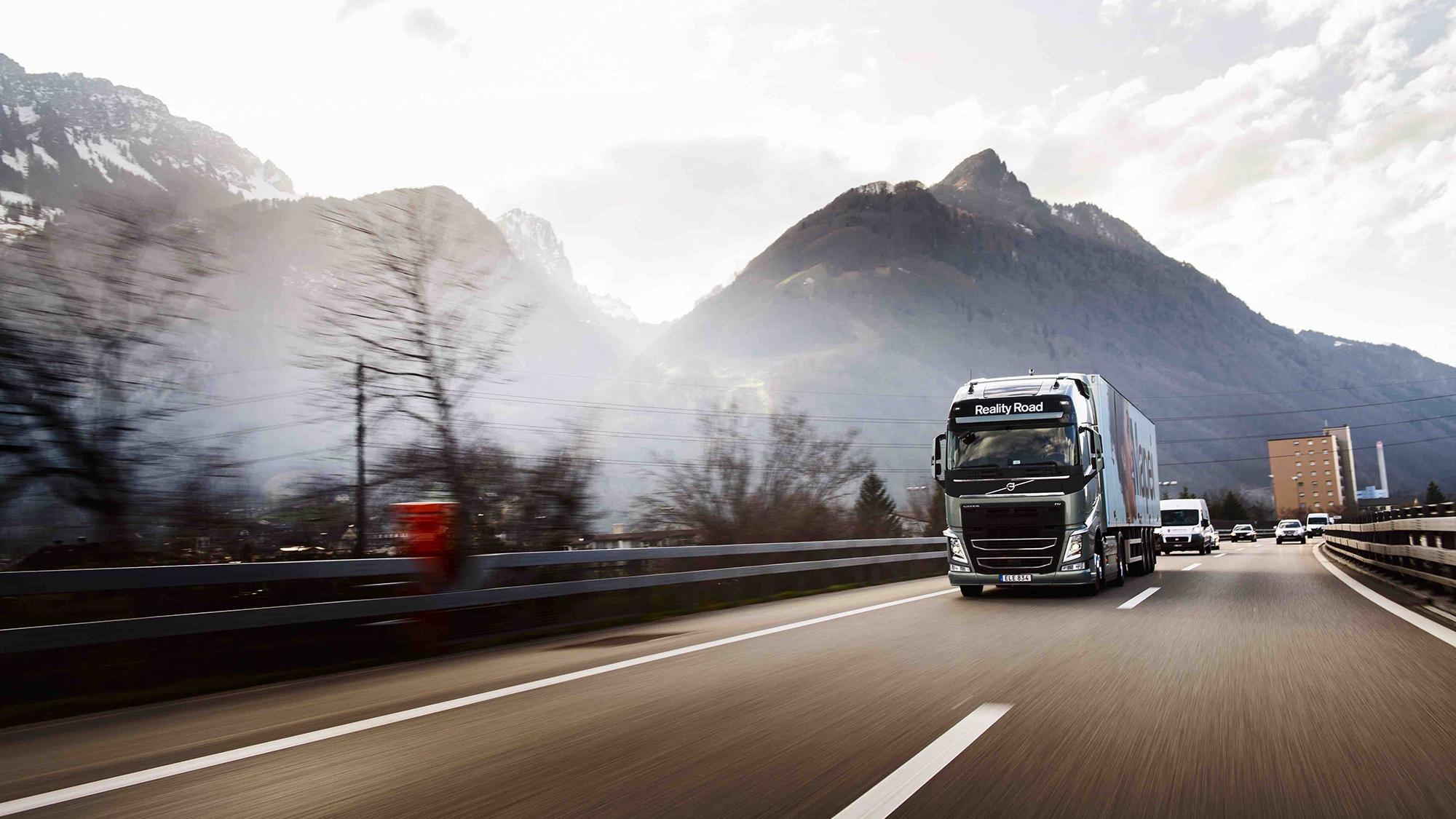Krovinių pervežimo – ekspedijavimo paslaugas teikianti bendrovė